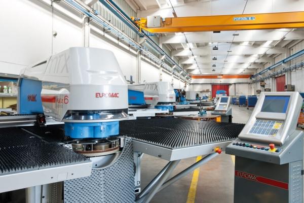 euromac_capannone_00168471D4DD-1A72-988F-203E-418FC435A186.jpg